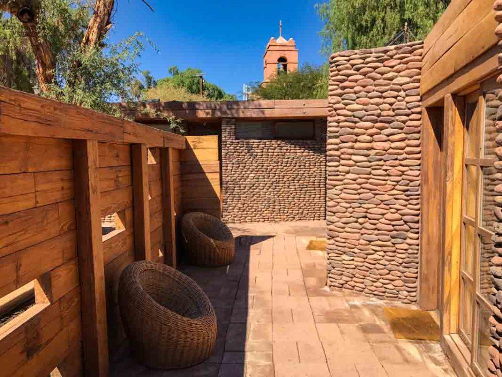 Imagem do Corredor interno com materiais sustentáveis no Terrantai Lodge