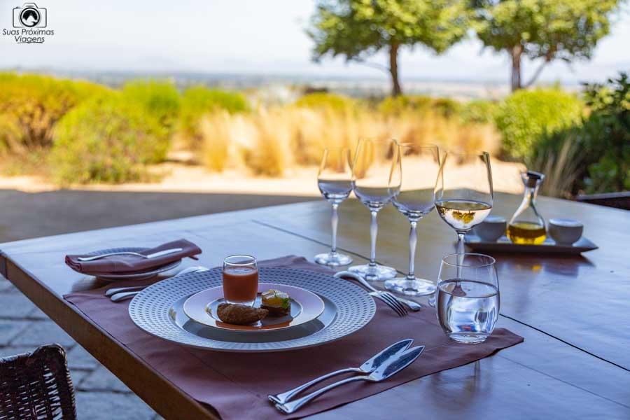 imagem da entrada do almoço do restaurante clos apalta no vale de colchagua