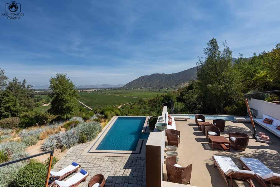 Imagem da área da piscina do hotel da viña clos apalta no vale do colchagua