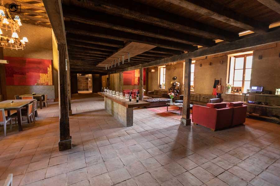 Imagem do interior da vinícola Neyem um dos melhores vinhos chilenos