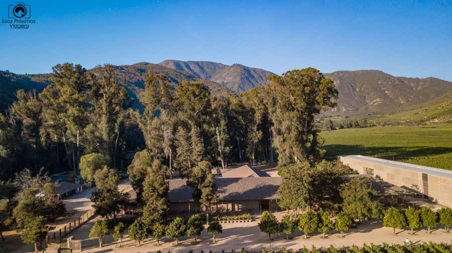 Imagem aérea da vinícola Neyem no vale de colchagua