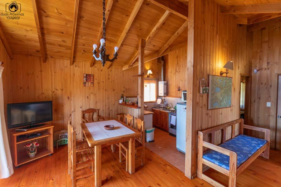 Imagem da copa e cozinha da cabana do Mirador Los Volcanes