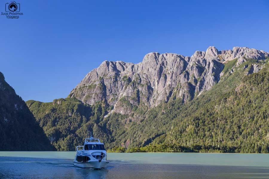 Imagem da navegação no Lago Frias