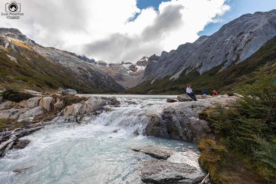 imagem da queda d'água da Laguna Esmeralda