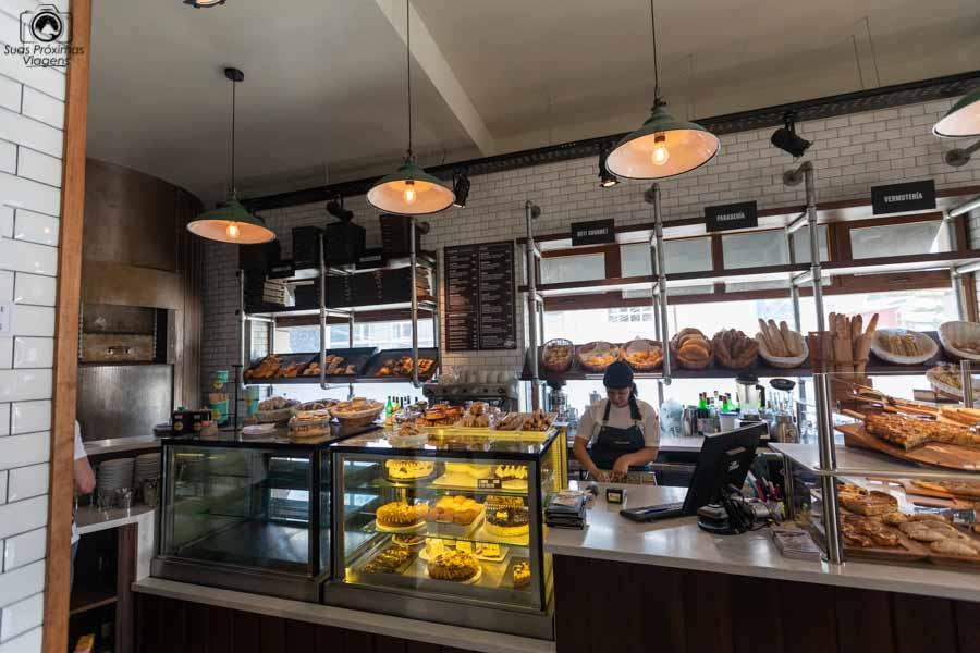 imagem do interior do el mercado em o que fazer em Ushuaia