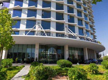 Imagem da entrada do hotel cumbres vitacura