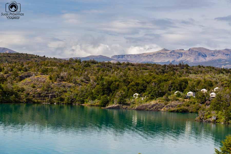 Imagem do Lago Toro e o Patagonia Camp