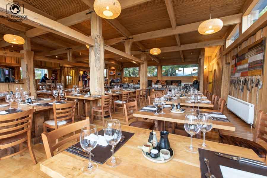 Glamping: imagem do restaurante do Patagonia Camp