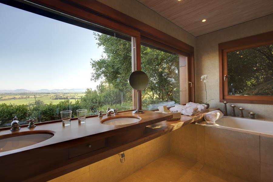 """Imagem da """"banheiro da casita"""" do hotel Clos Apalta Residence"""