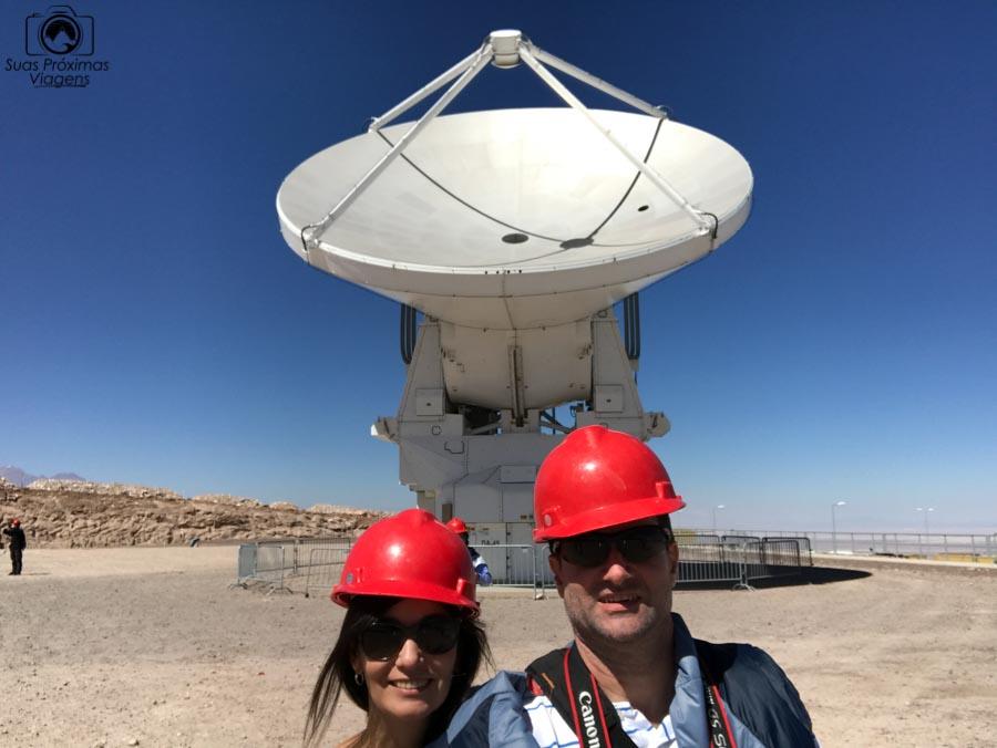 imagem do radiotelescópio do projeto alma no deserto do atacama