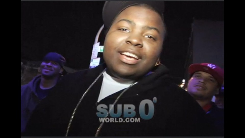 SEAN KINGSTON in the HOOD!