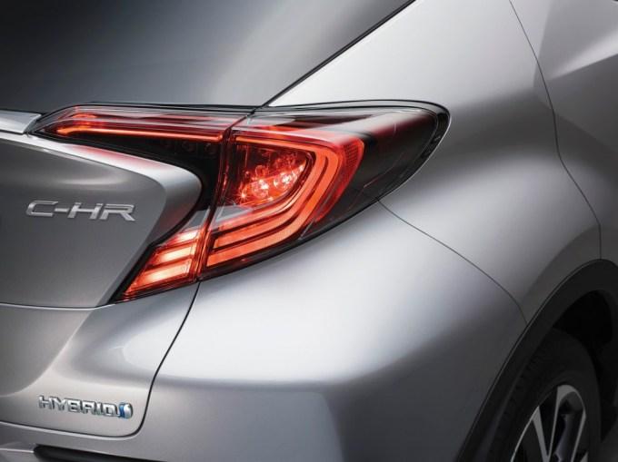 2017-Toyota-C-HR-05