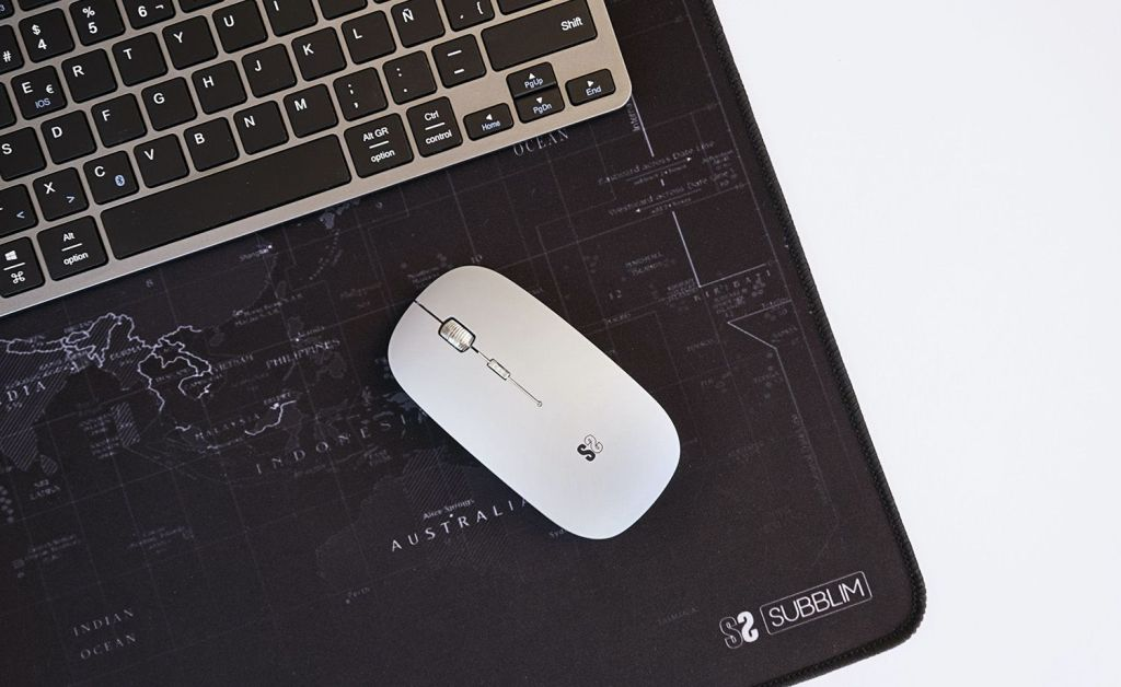 ratón flat color silver