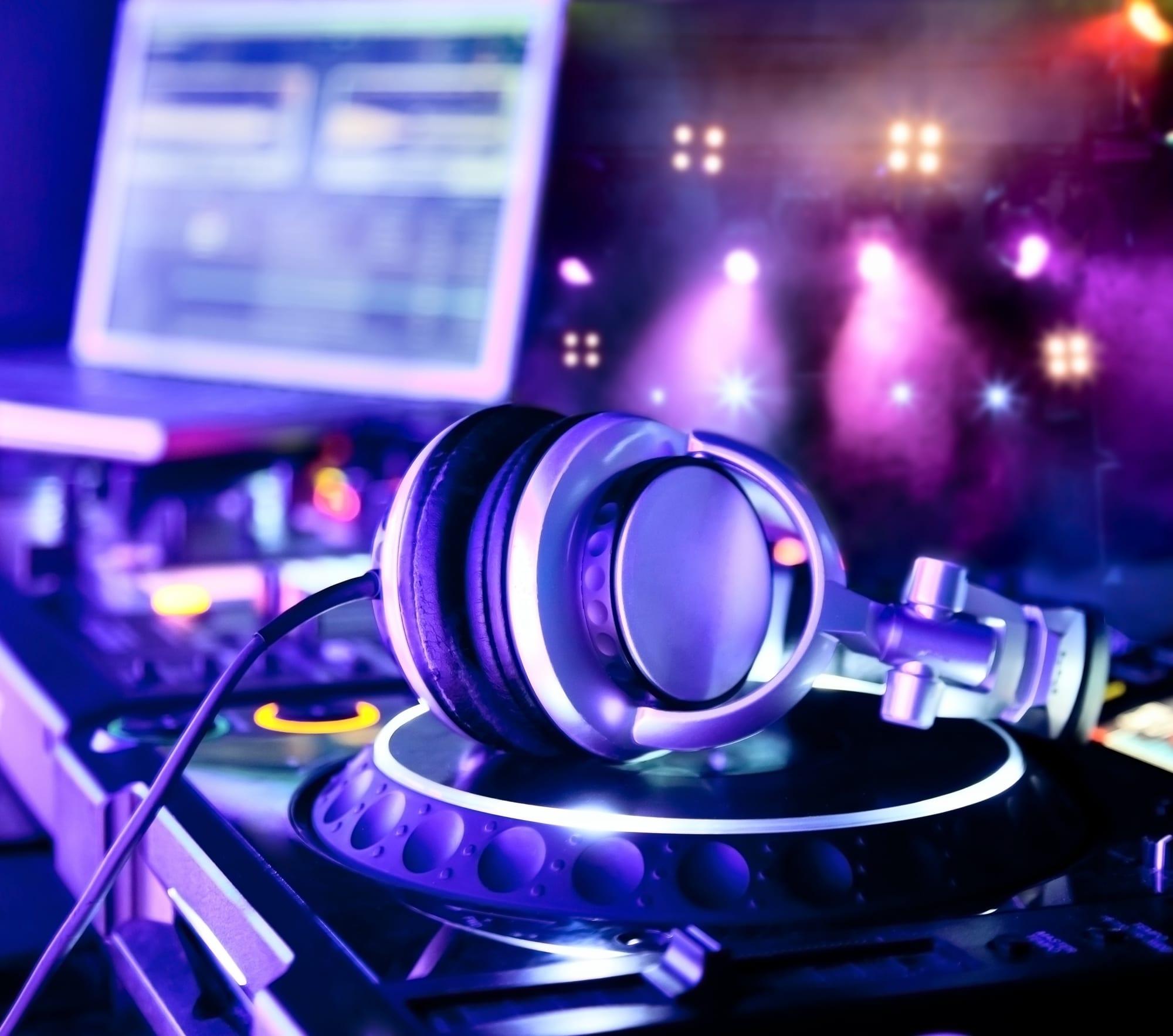 live97341_shutterstock_83122804-1