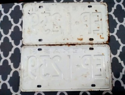 Vintage license plates 2