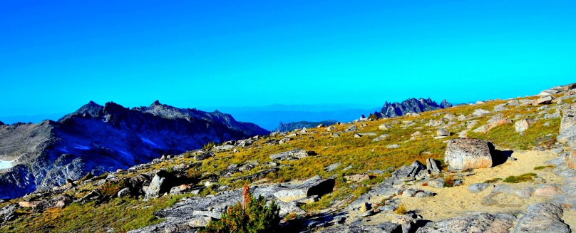 On the way back - Prusik Peak, Enchantments Peak and Cannon Mountain