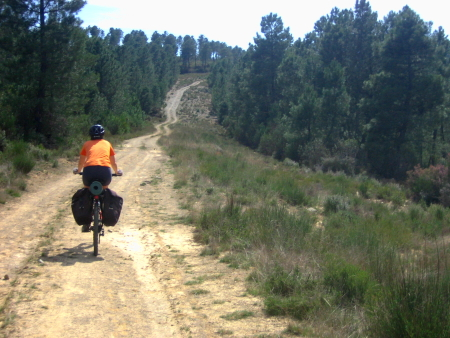 Sandra camino al Alto Carrera del Caballo