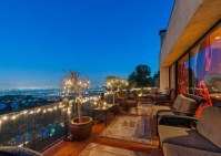 robin-thicke-sunset-strip-house-015-480w