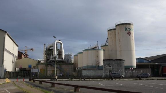 L'huilerie Lesieur qui va prochainement déménager sur la rive droite.