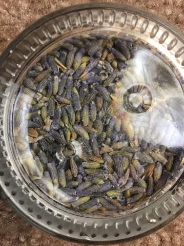 La Fare 1789 - Lavender Flower Jar (closer view)