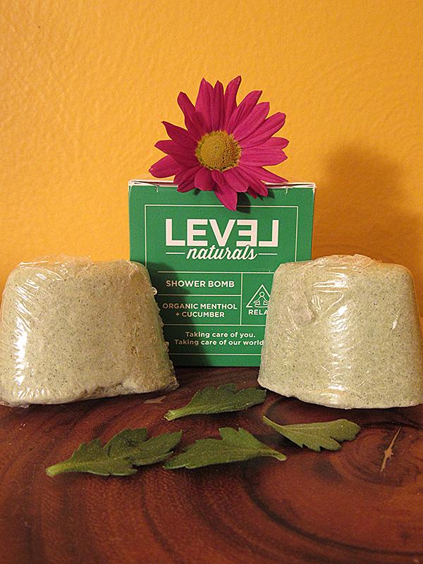 Level Naturals Organic Menthol + Cucumber Shower Bomb