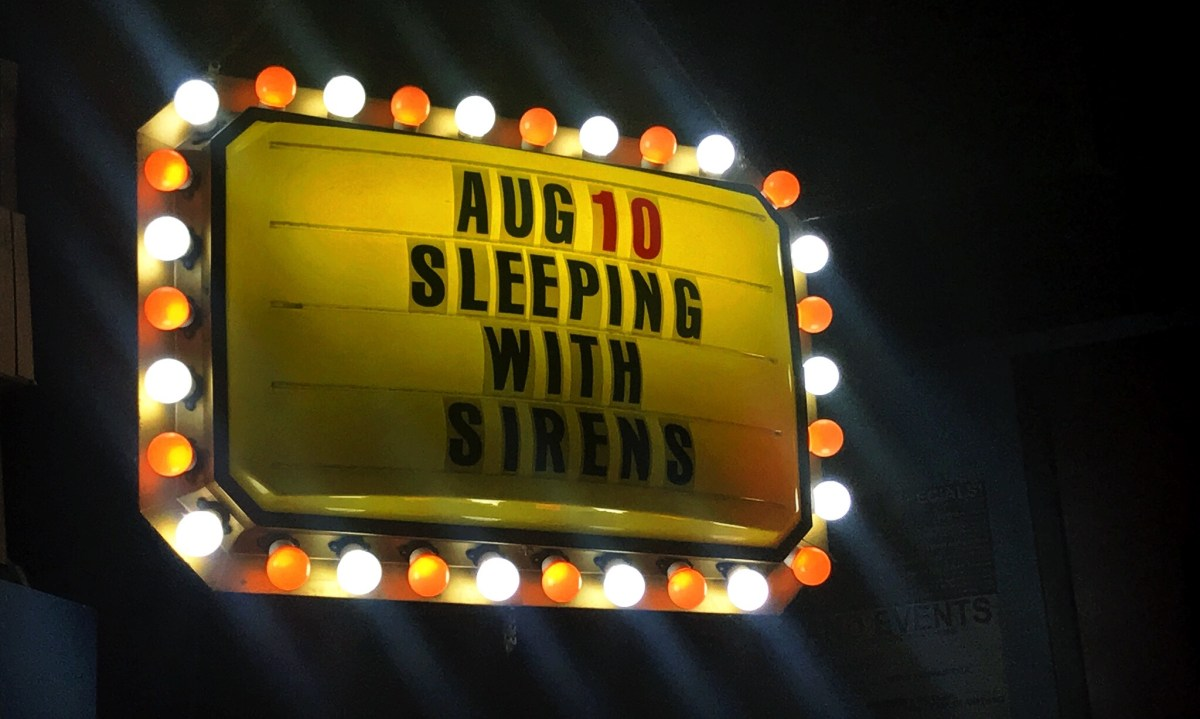 "Sleeping With Sirens become ""Legends"" during surprise hometown show"
