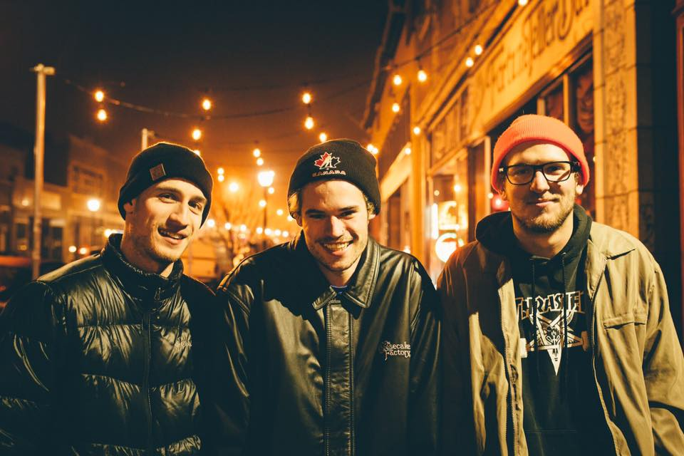 Everyone's Favorite Band, Mom Jeans., Joins SideOneDummy
