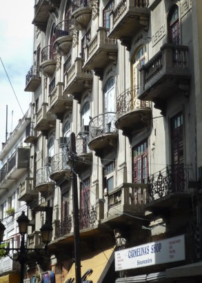 Balconies for apartments above shops in Calle el Conde