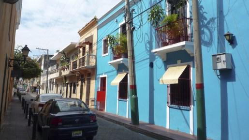 A bright blue home in Santo Domingo