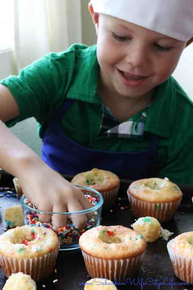 Surprise Cupcakes fill with Sprinkles
