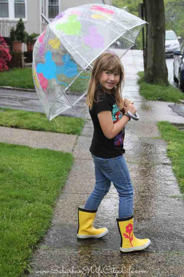 DIY Rain Boots and Disney Balloon Umbrella #CricutMade