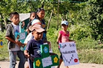 Fotografía: Judith Gómez. De los 16 cuerpos, 8 eran niños y niñas, que perdieron sus vidas a causa del genocidio