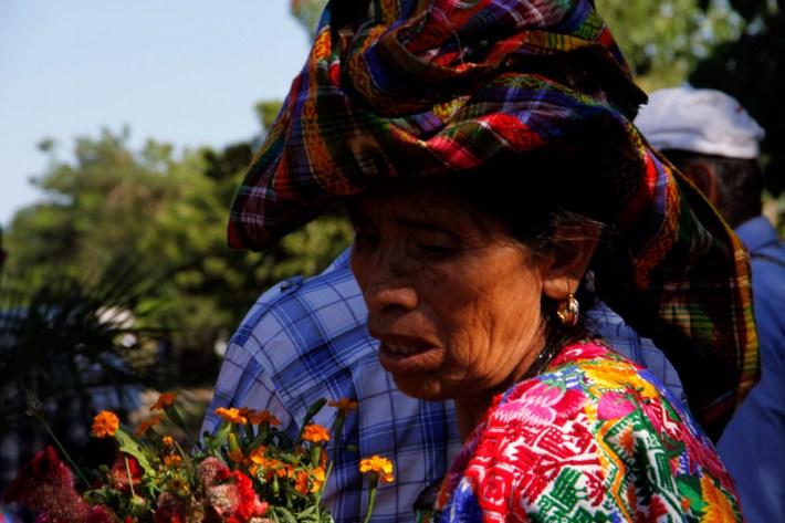 Fotografía: Judith Gómez. Hoy en día las familias de El Triunfo luchan para defender sus tierras, ampliar la participación de las mujeres y jóvenes, y recuperar su experiencia de Resistencia para luchar por los derechos, la justicia y la dignidad