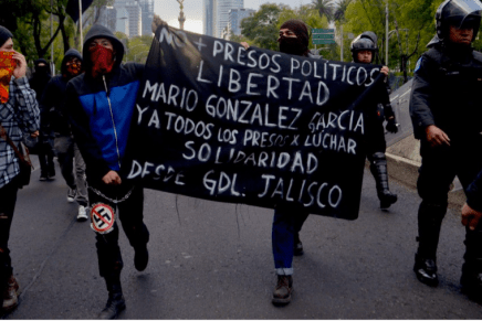 Marchan por la libertad de Mario González y presos del 2 de Octubre
