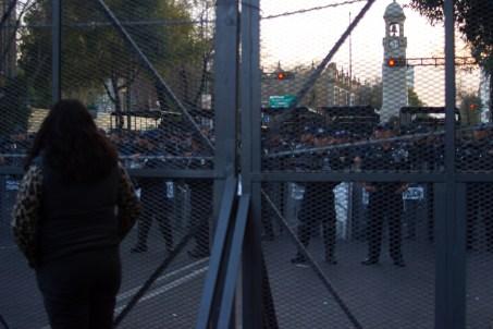 Fuerte bloqueo policial para evitar que la manifestación llegara a Segob
