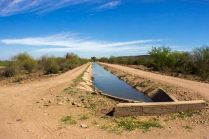 Desde 1940 se decretó la mitad del caudal almacenado en la presa La Angostura para la tribu Yaqui. No obstante nunca se respeto la entrega de la cantidad correspondiente. Fotografía: Aldo Santiago