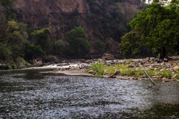 La empresa Oberbrecth realizó trabajos que taparon medio río para desviar su cauce sin permiso de CONAGUA, mucho menos de la comunidad.