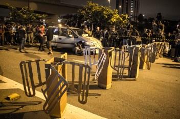 """Como primer acto festivo se dispusieron las """"catracas"""" a mitad de una las principales avenidas, Marginal Pinheiros"""