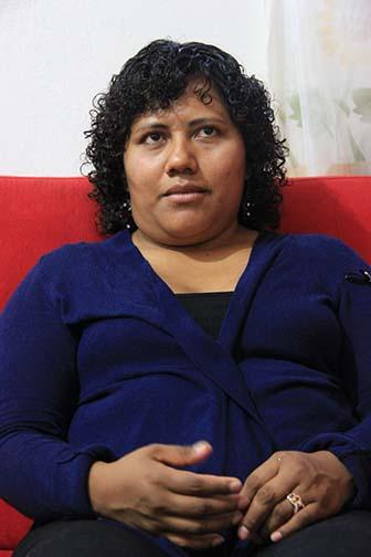 Valentina durante la entrevista con Beatriz.