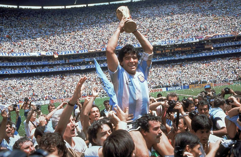 Diego Armando Maradona. Fotografía: www.elfutbolesinjusto.com