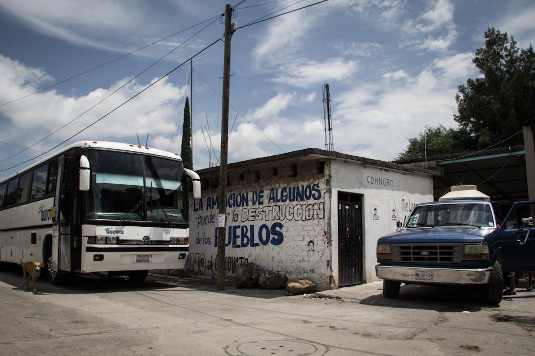 «La ampliación de algunos es la destrucción de los pueblos» Foto: Heriberto Paredes