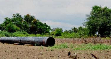 Ya están llegando los tubos a las comunidades para ser colocados bajo tierra y dar inicio al Proyecto Integral Morelos (PIM). Serán afectadas 82 comunidades de Puebla, Morelos y Tlaxcala.