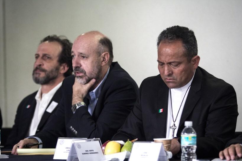 Daniel Giménez Cacho, Luis Hernández Navarro y Gregorio López
