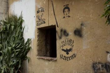 Continúan presos, con graves irregularidades jurídicas: Enedina Rosas, comisariada ejidal de la comunidad de San Felipe, Xonacayucan, Atlixco; Juan Carlos Flores, vocero del FPDTAMPT remitido al Cereso de Cholula; y Abraham Cordero de San Andrés Texmelucan, presidente del Frente Campesino de Ejidatarios.