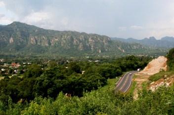 10 La destrucción ha cesado gracias a tres amparos interpuestos por los comuneros y el pueblo de Tepoztlán