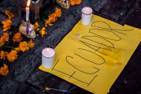 Solidaridad desde Quito, Ecuador con los alumnos de la Normal Rural de Ayotzinapa.