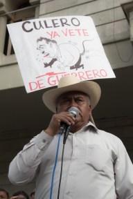 Vocero de la Sección 14 Democrática del SNTE anuncia el paro indefinido y el plantón en el Zócalo de Chilpancingo