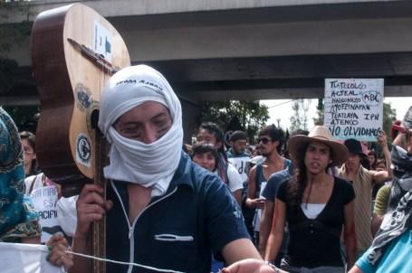 Canciones de protesta durante la marcha.