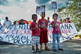 Familiares de uno de los desaparecidos exigen la aparición con Vida de los 43 Foto: Andalucía Knoll