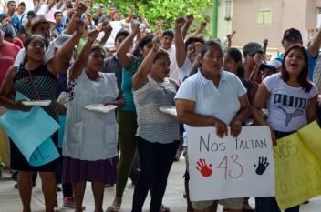 El pueblo de Tecoanapa canta Venceremos Foto: Andalucía Knoll
